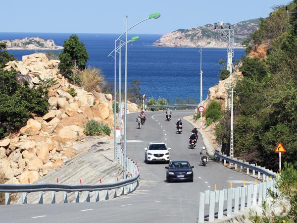 cột thép đường ven biển